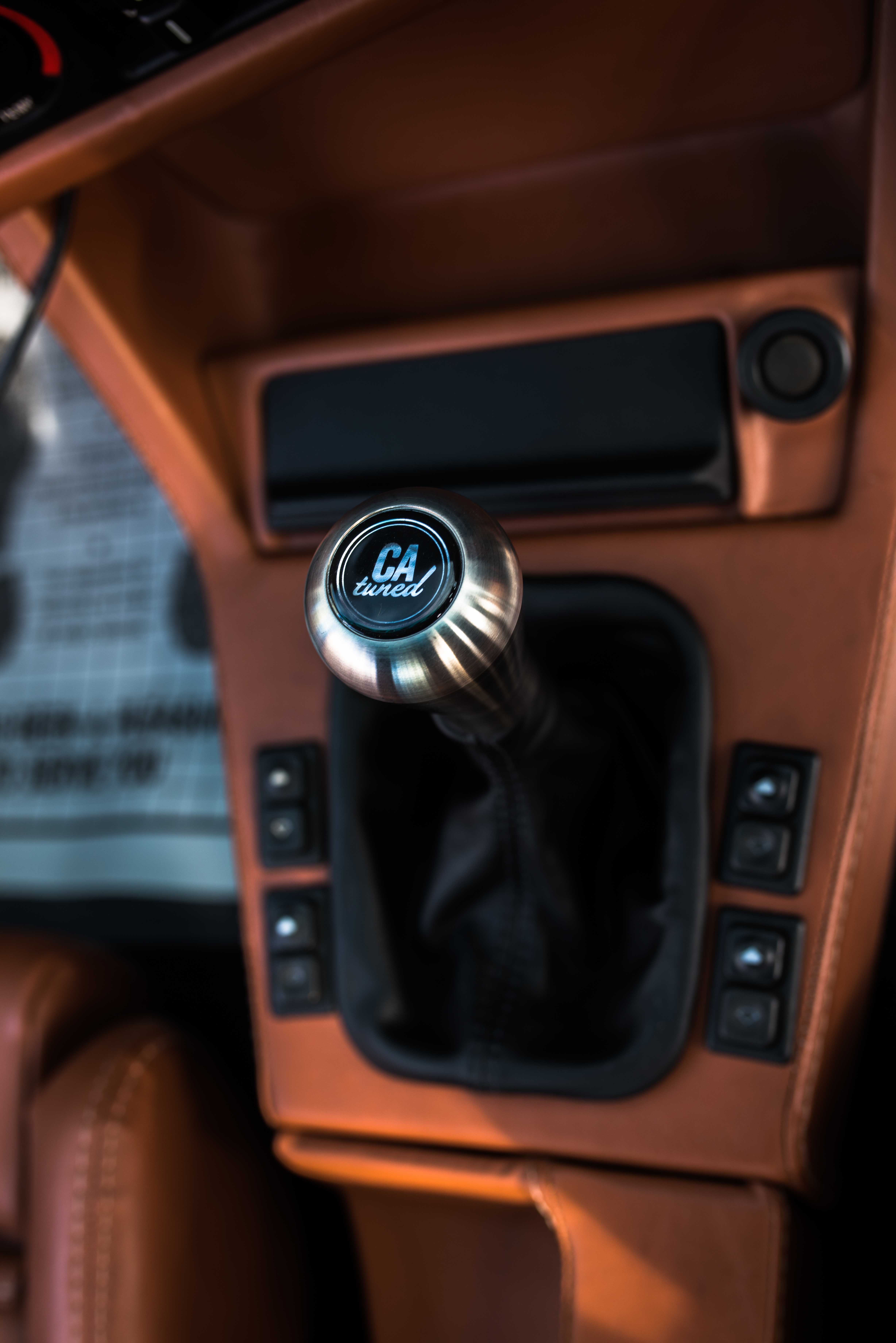 BMW E30 Cabriolet Airride Widebody Interieur - BMW SCENE LIVE Magazin