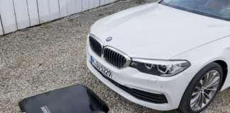 BMW 530e mit Wireless Charging