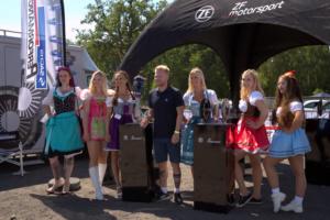Der Dirndl Contest auf der BMW Scene Show
